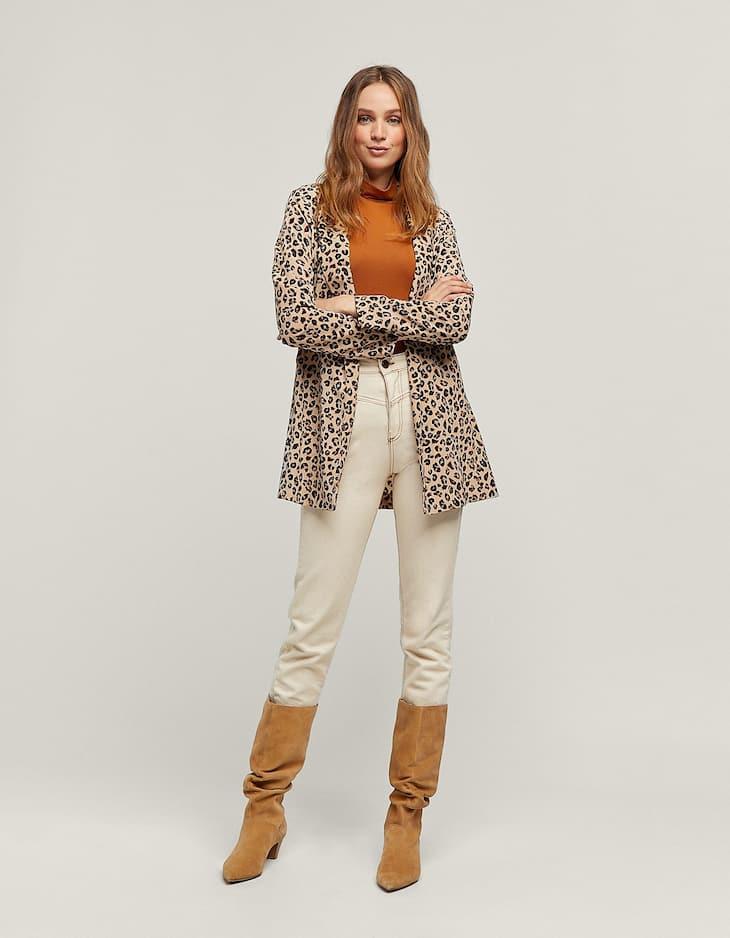 Flowing leopard print blazer