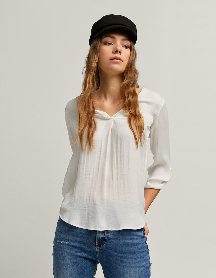 Long V-neck shirt