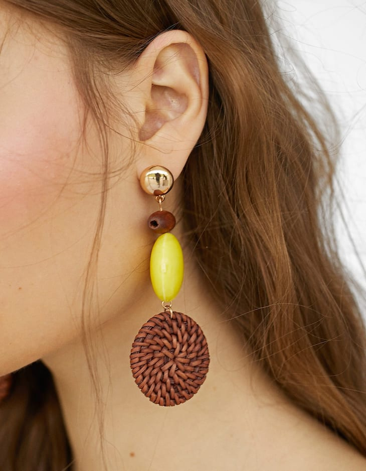 Raffia earrings with colourful beads