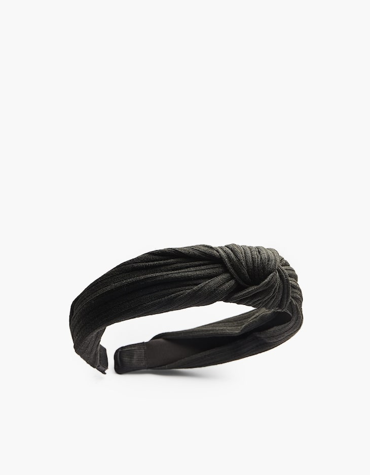 Plain rigid headband