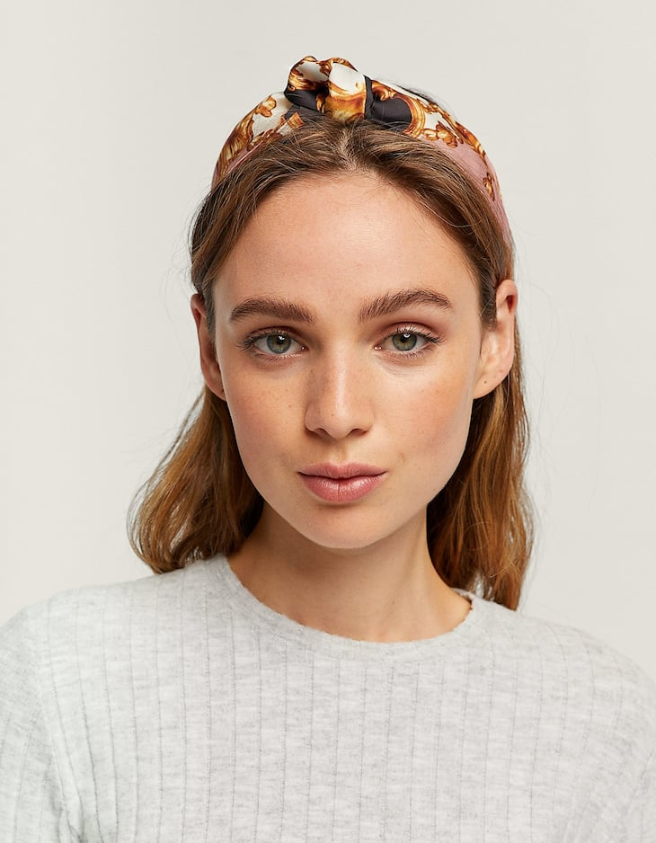 Rigid handkerchief headband