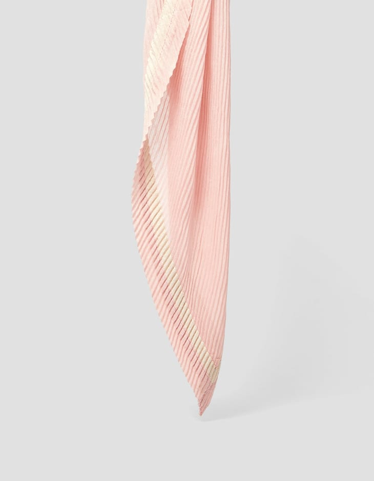 Pleated handkerchief
