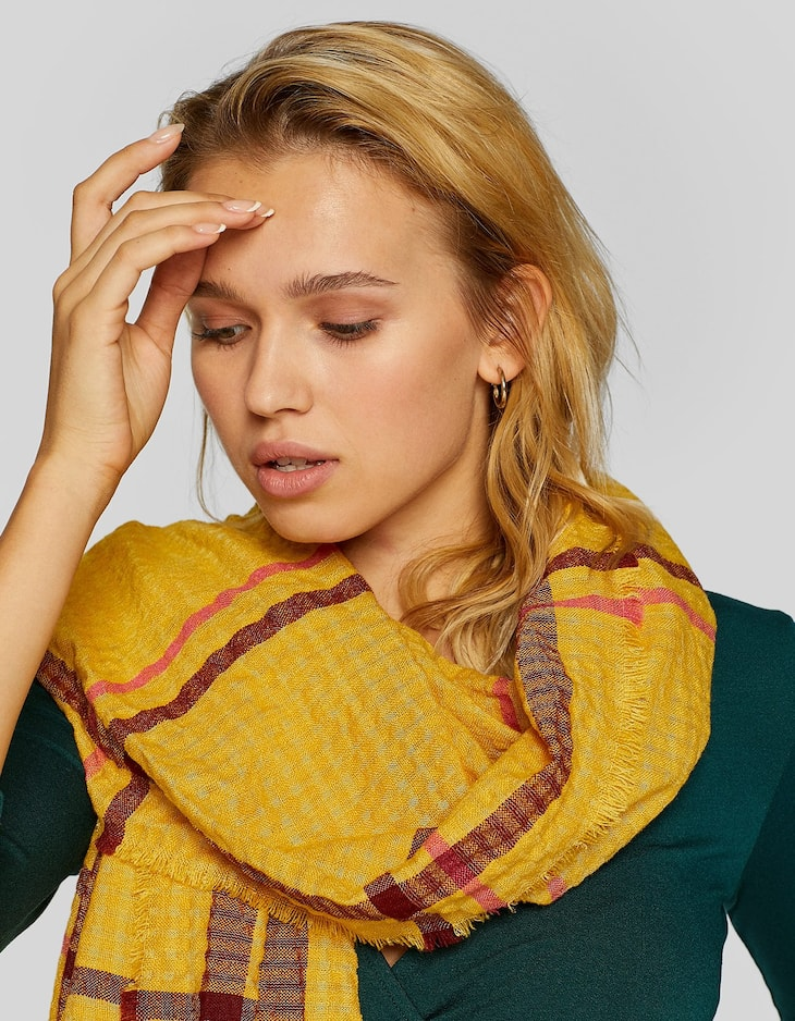Textured fabric scarf