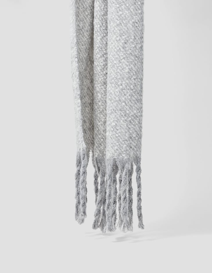 Scarf with thread detail