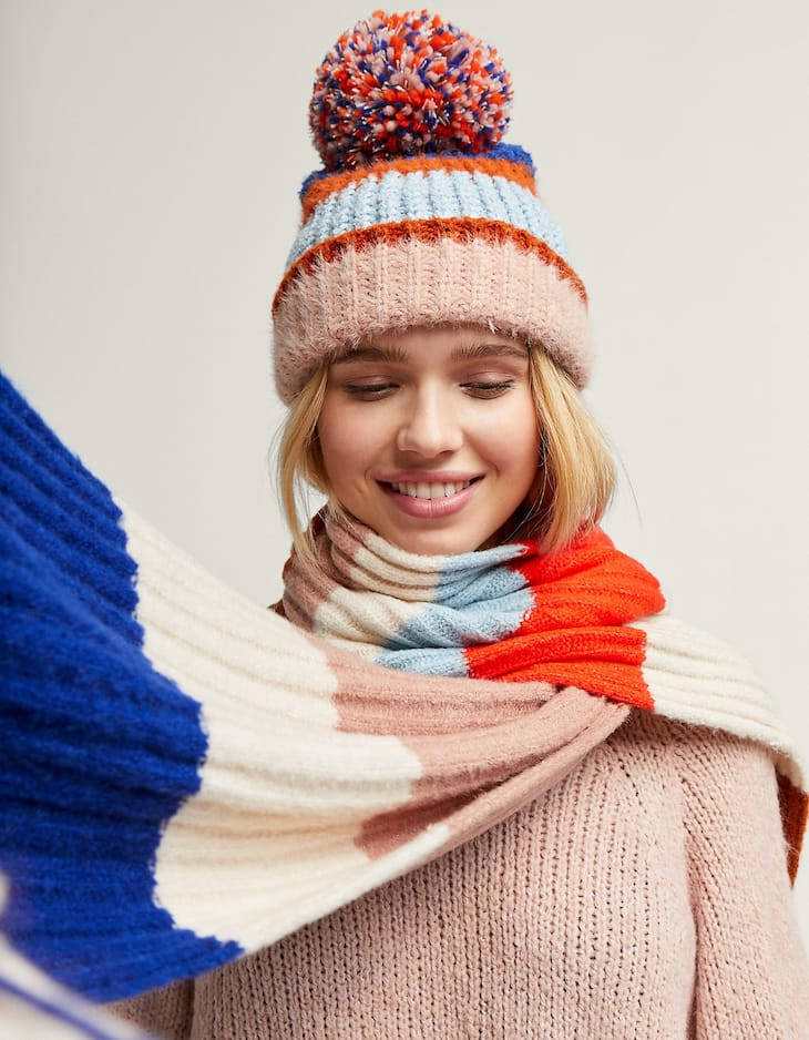 Striped chunk knit scarf with fringes
