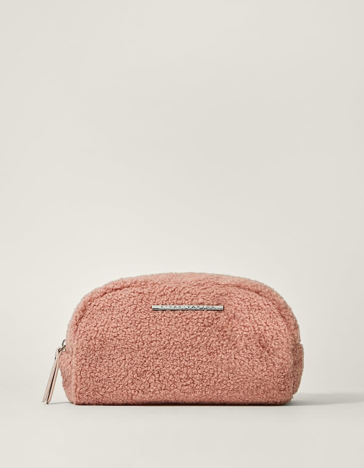 Fleecy wash bag
