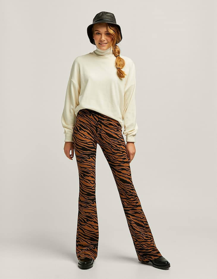 Pantalon flare imprimé animal