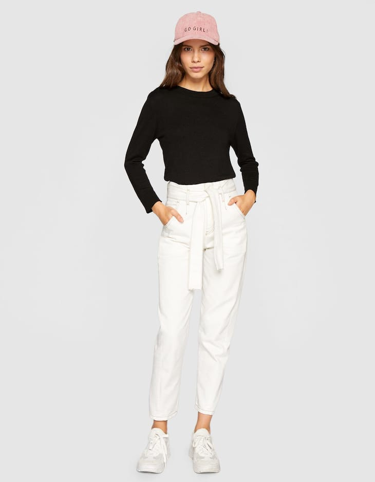 Plain sweater with shoulder buttons