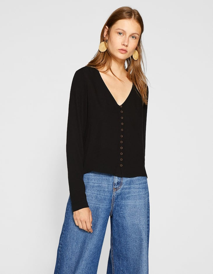 Buttoned V-neck top