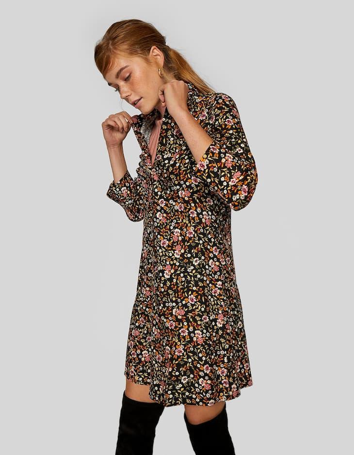 Geblümtes Kleid mit Knöpfen