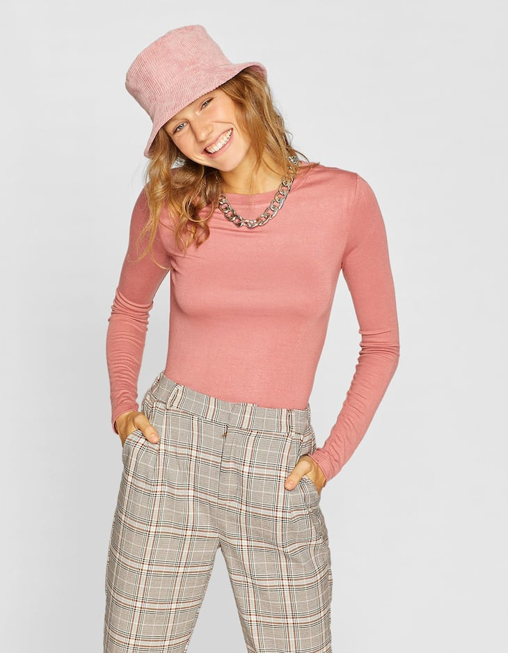 Basic cropped knit long sleeved T-shirt