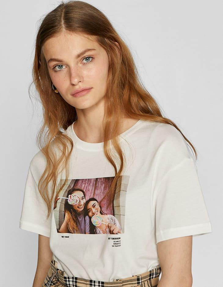 T-Shirt mit Fotografieren