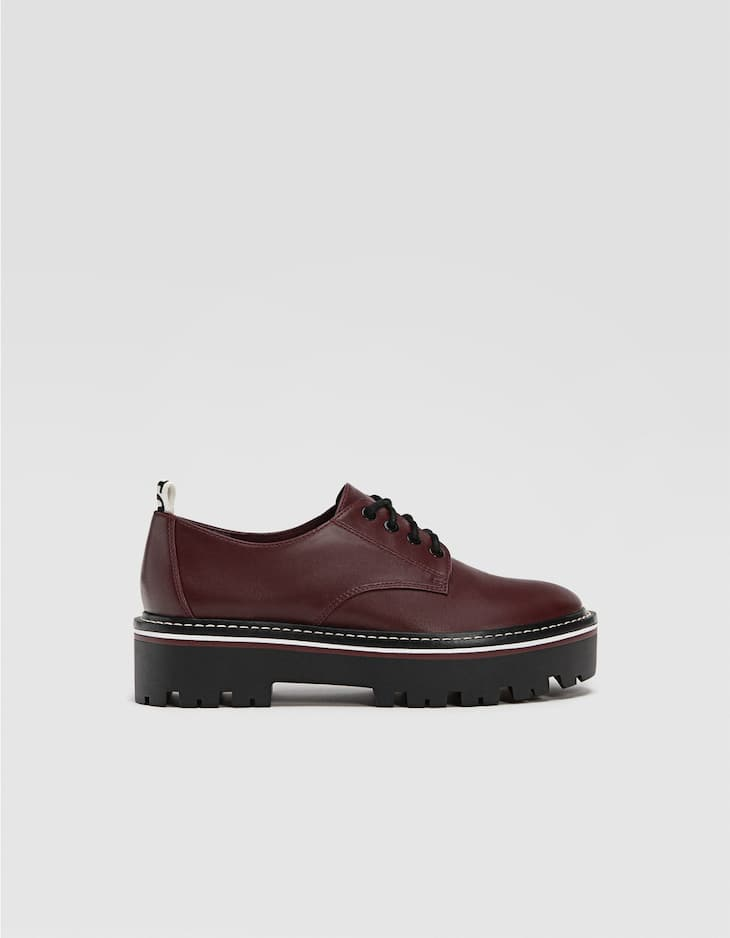 Lace-up platform derby shoes