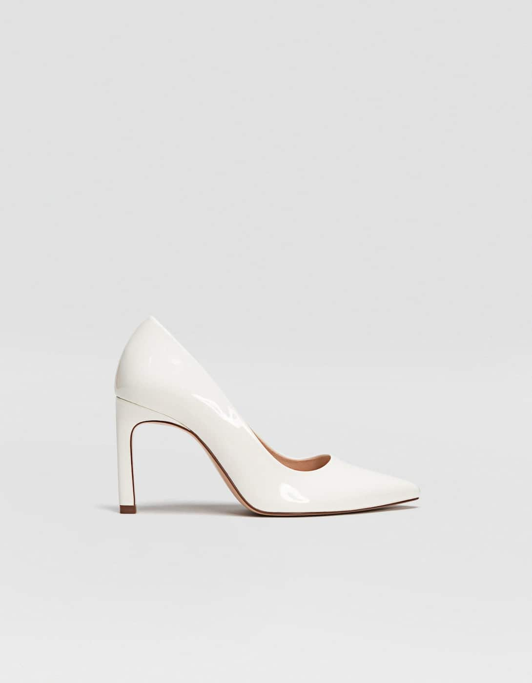 f177ed0460a White high heels - All