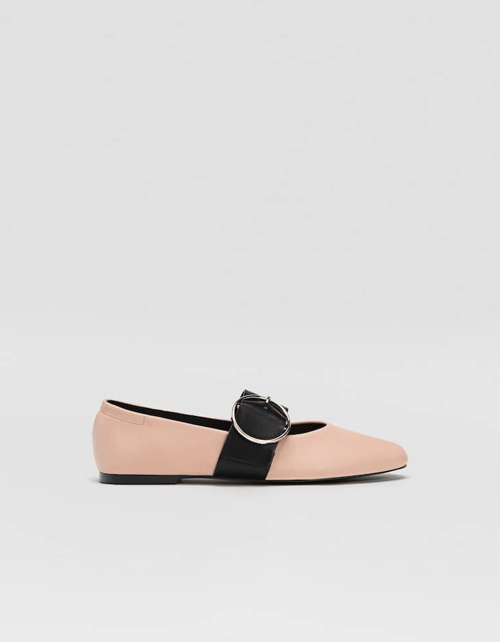 Ballerinas with buckle detail