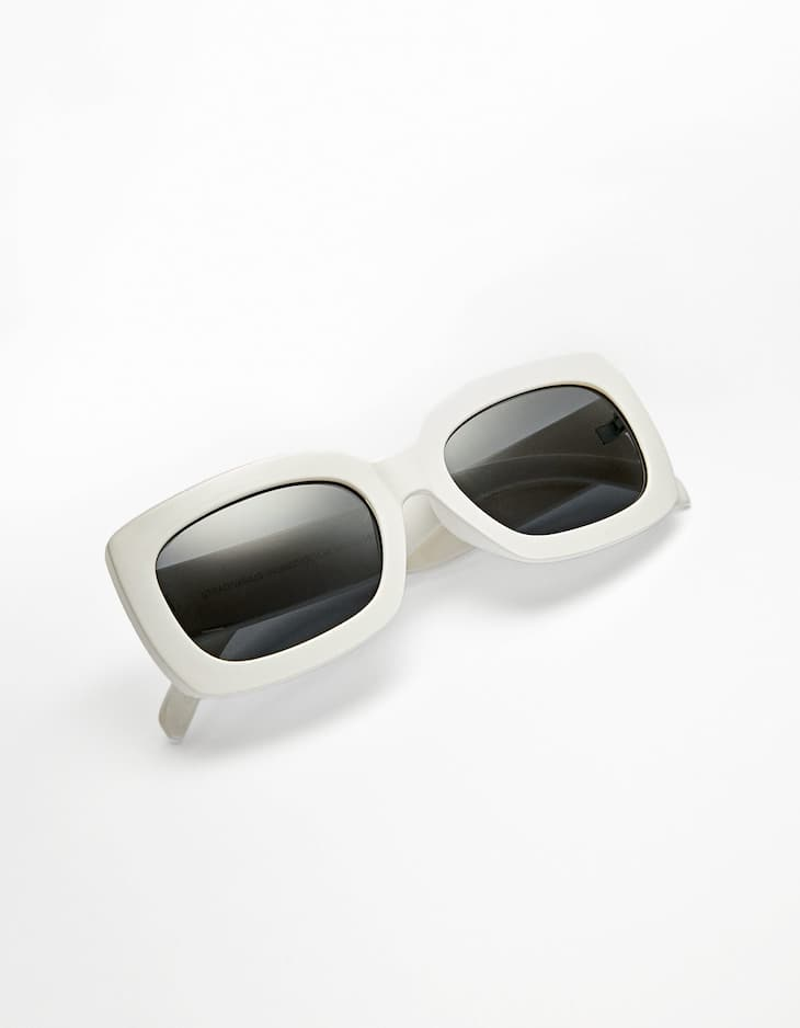 Square resin sunglasses