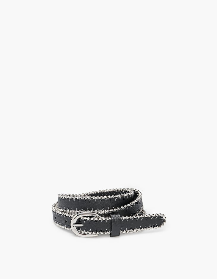 Thin belt trimmed with a ball chain
