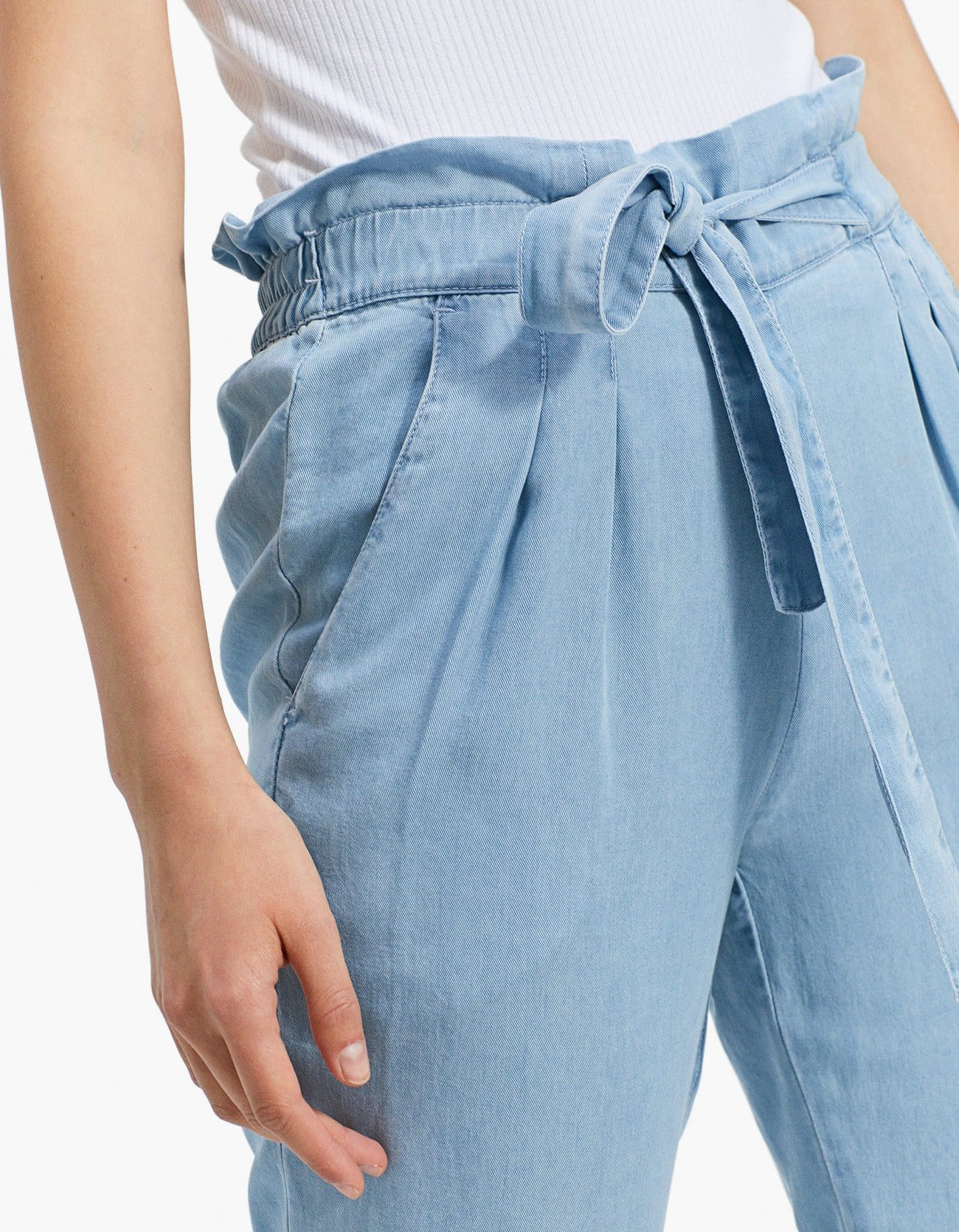 303047a4eea Stradivarius Flowing Baggy Jeans In Pale Denim at £19.99 | love the ...