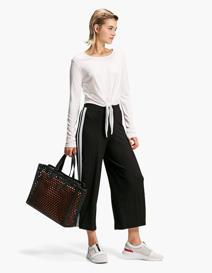Ribbed culottes with side stripes
