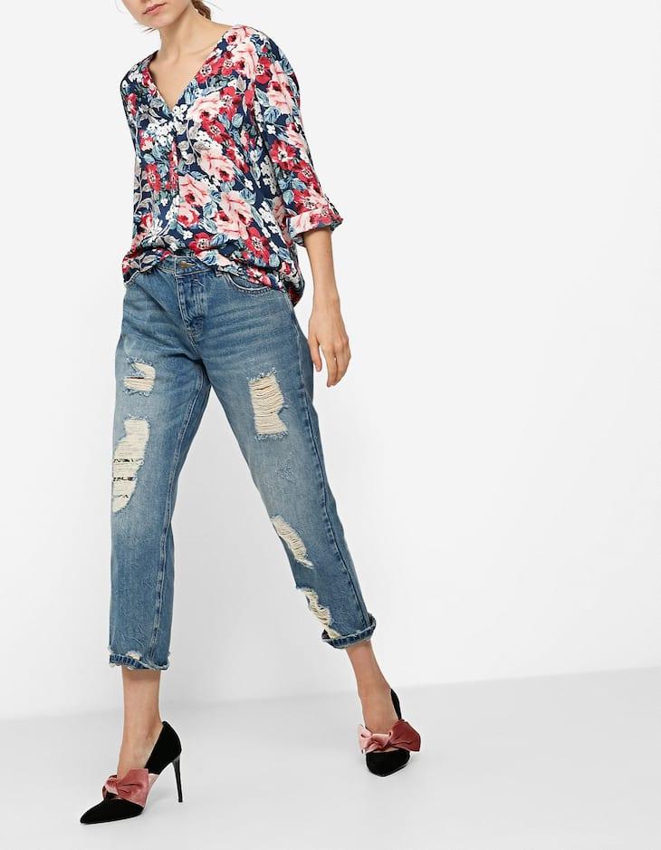 Floral print V-neck shirt