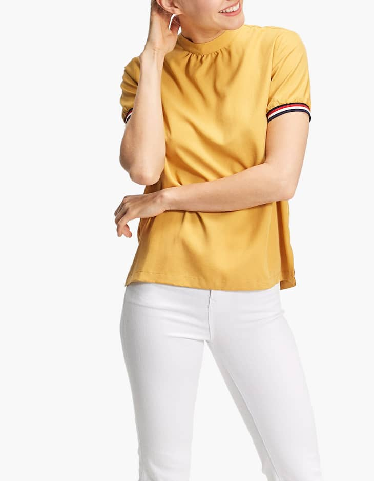 Top with ribbed sleeves