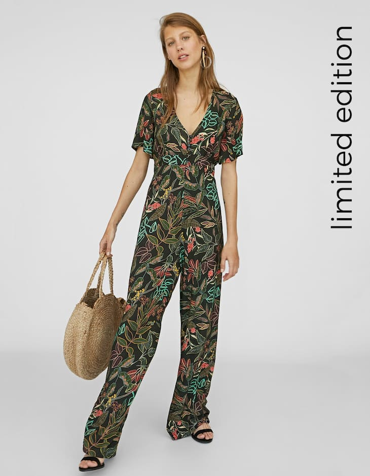 Long printed jumpsuit with buttons