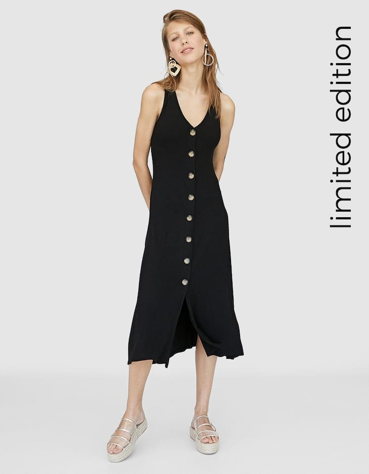 Midi dress with buttons