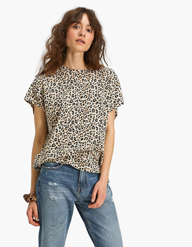 Printed T-shirt with drop sleeves