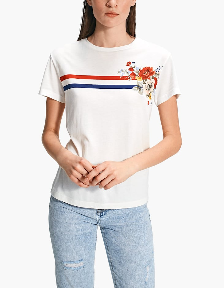 T-shirt with rubberised print