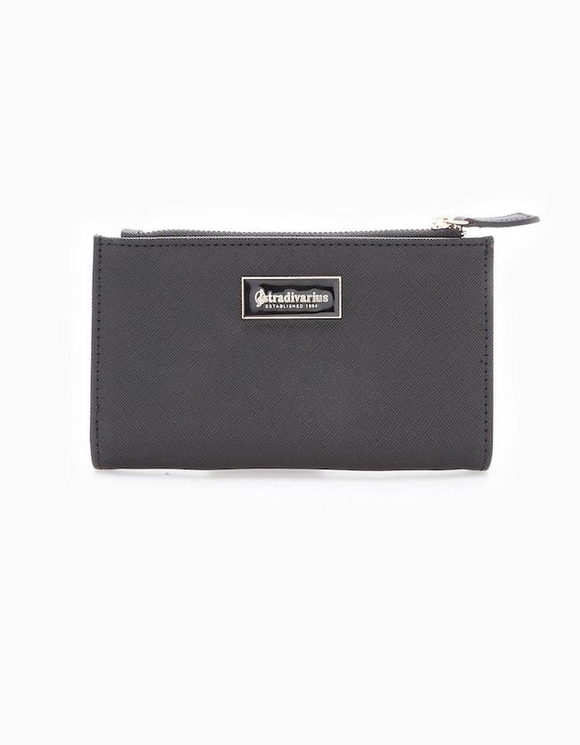 Geprägte Brieftasche Schwarz   Accessoires > Portemonnaies > Brieftaschen   Schwarz   Stradivarius