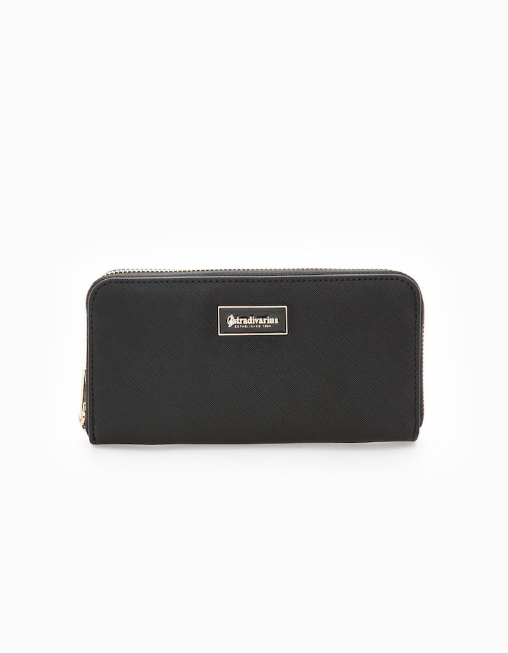 Basic embossed wallet