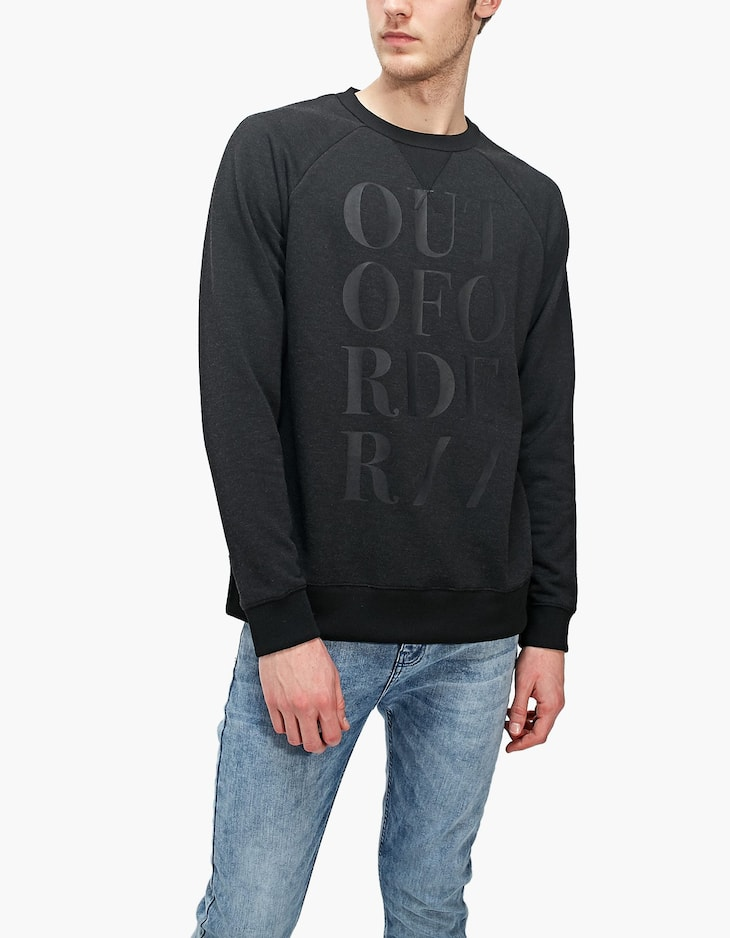 Sweatshirt with matching slogan