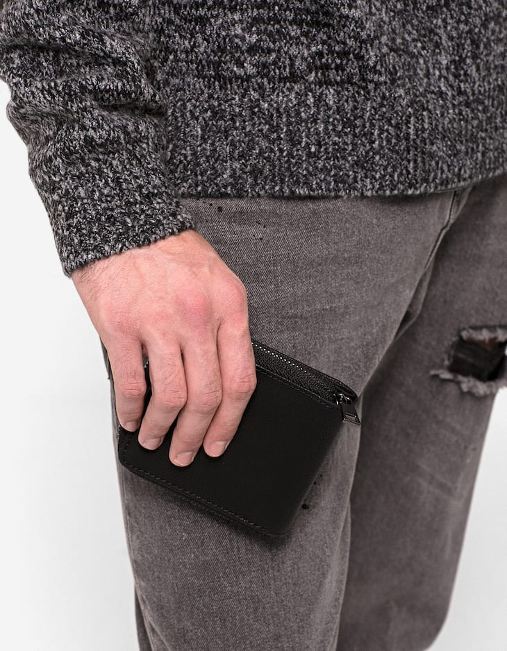 Square wallet with zip