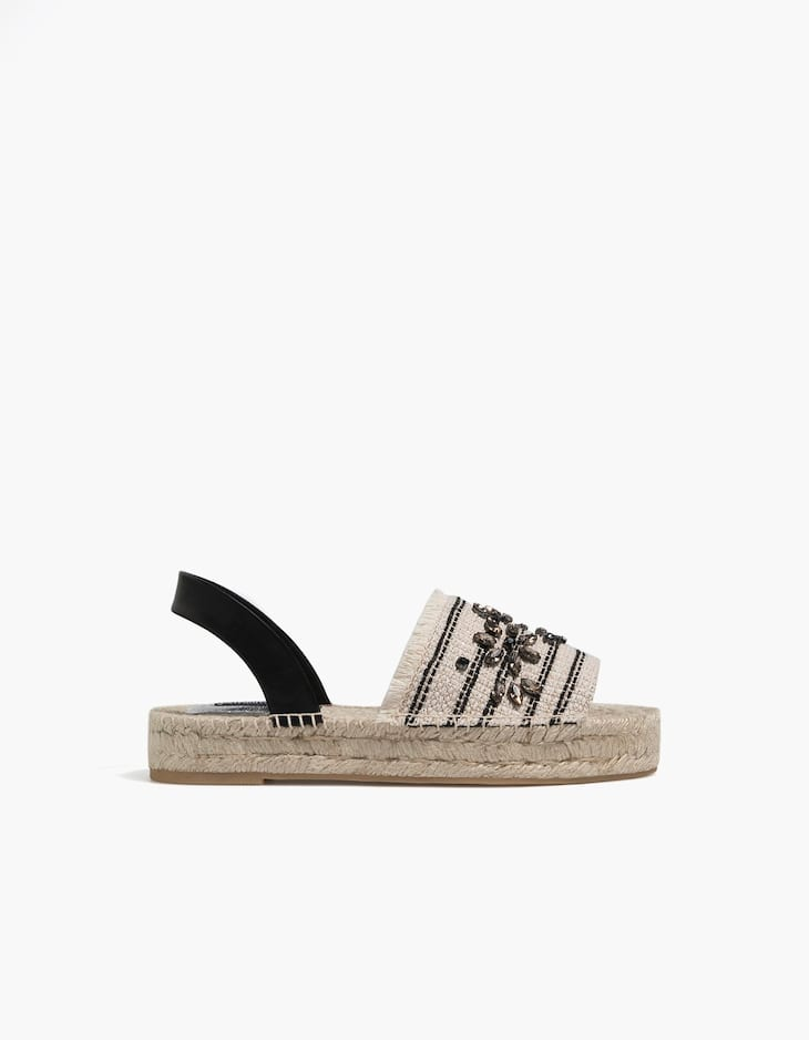Espadrilles with contrasting heel and vamp