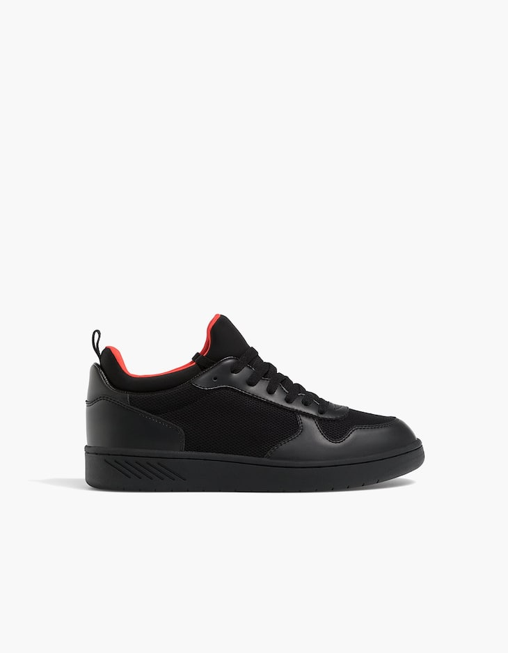 Black contrasting sneakers