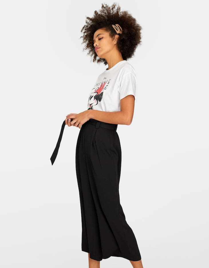 Flowing culottes with bow