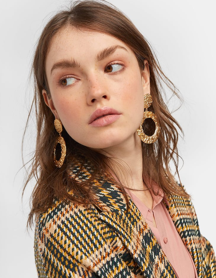 Irregular round earrings