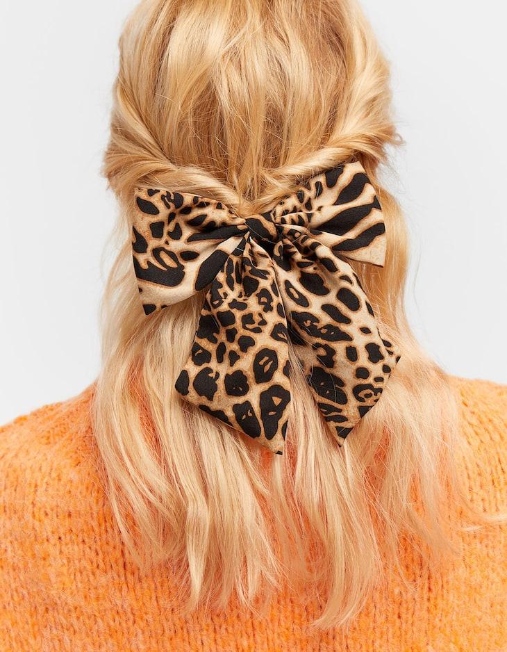 Leopard print bow