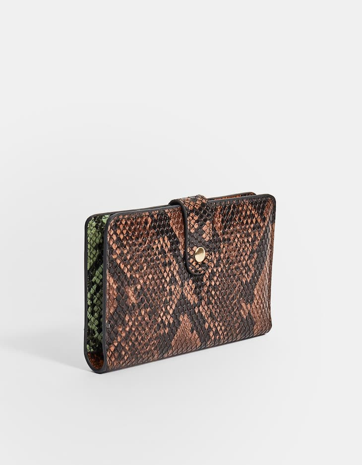 Snakeskin purse with clasp