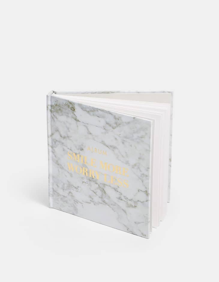 Marble-effect photo album