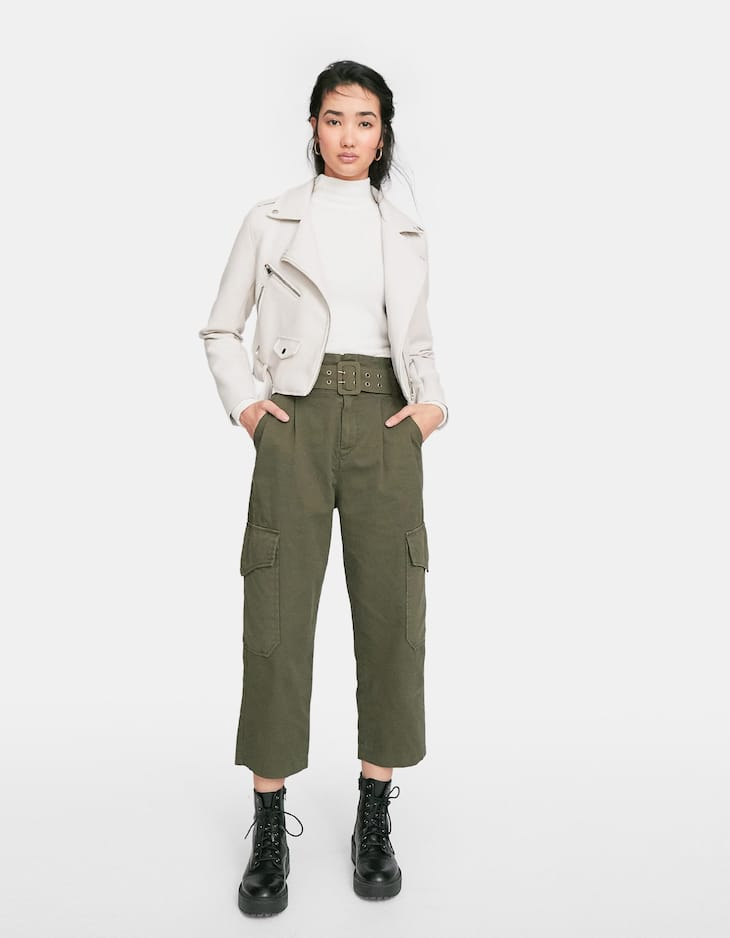 Buckled cargo trousers