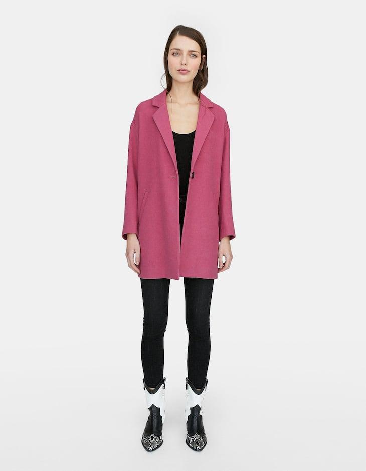 Пальто со спущенными плечевыми швами