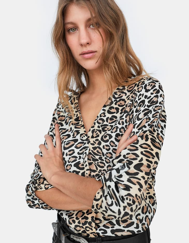 Leopard V-neck shirt