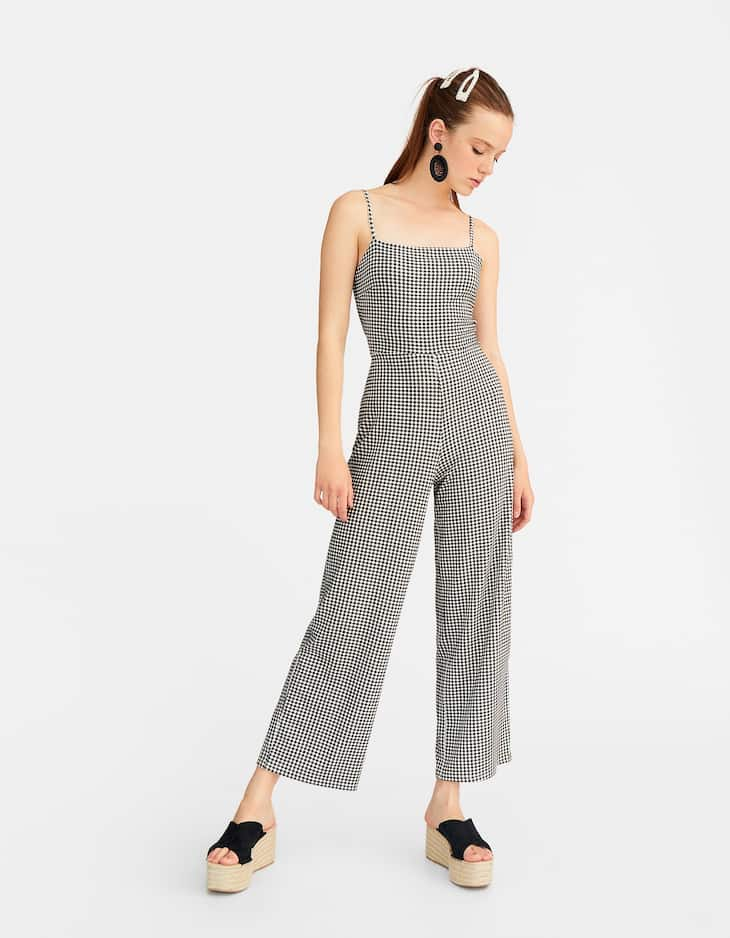 Jumpsuit with knot at the back