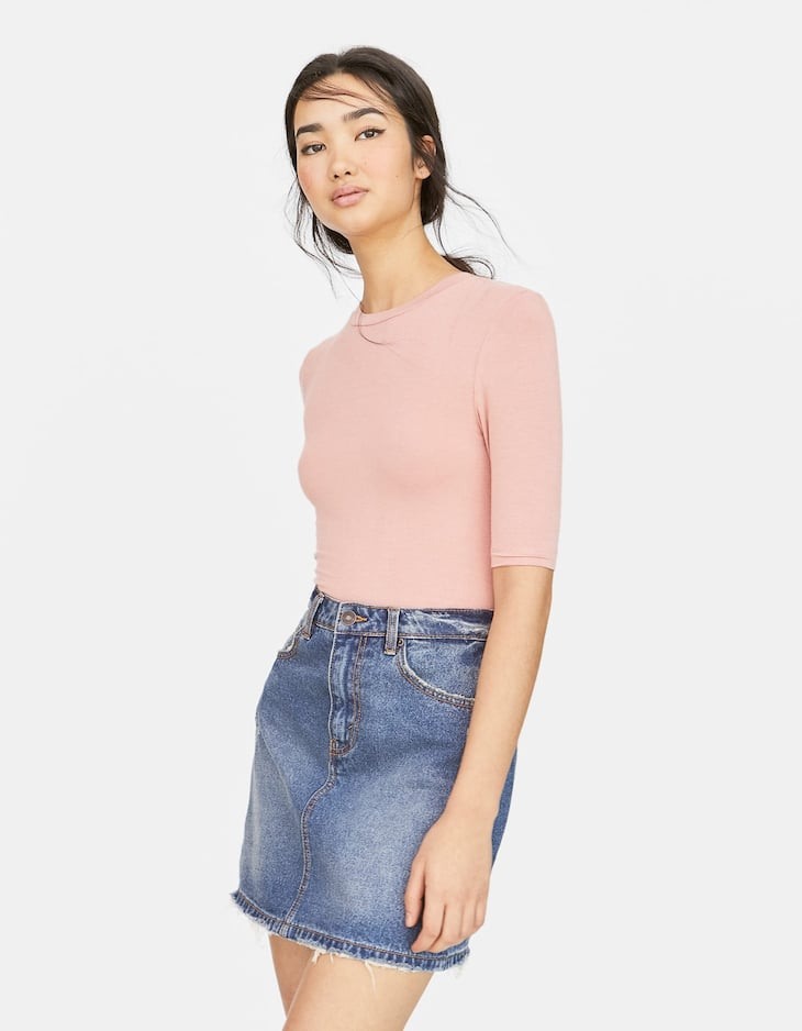T-shirt with elbow-length sleeves
