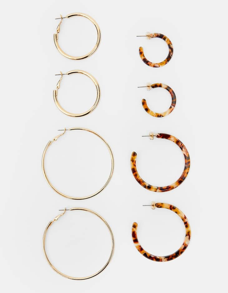 Set of metal and tortoiseshell hoop earrings