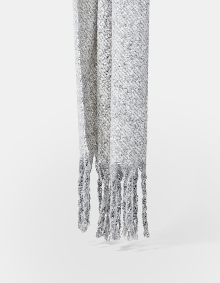 Brushed thread scarf