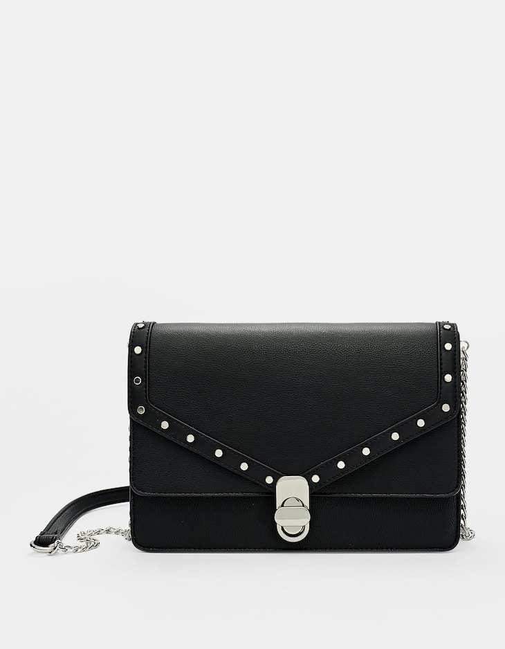 Crossbody bag with clasp and chain strap