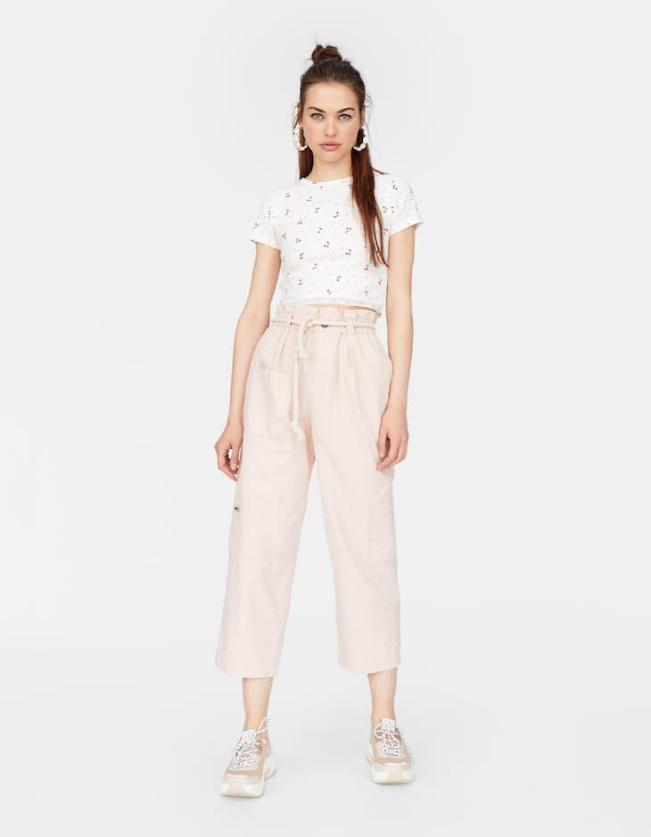 Stradivarius - Lace-trimmed Cropped T-shirt - 2