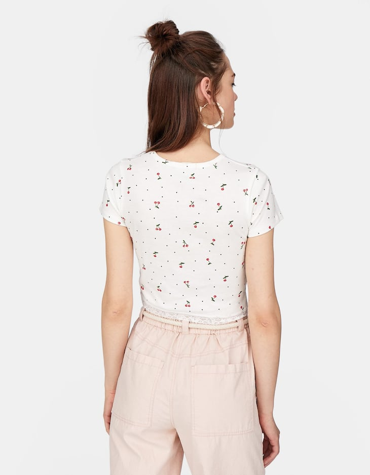 Stradivarius - Lace-trimmed Cropped T-shirt - 4